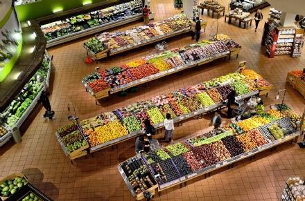 Il supermercato - Episodio 6 - Lo strusciatore folle