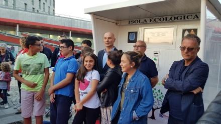 RIVAROLO CANAVESE - Inaugurato il primo eco-compattatore delle bottiglie di plastica allUrban Center - FOTO e VIDEO