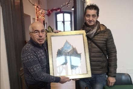 CUORGNE - Unopera di Franco Grisolano in dono al centro incontro anziani