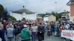 PAVONE CANAVESE - Una folla alla fiaccolata di solidarietà per Franco - FOTO E VIDEO - immagine 10