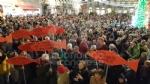 IVREA - Sardine in piazza di Città contro Salvini e la destra: «Siamo contro la deriva populista» - FOTO e VIDEO - immagine 13