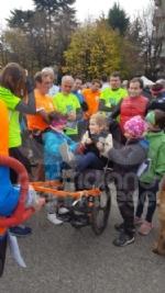CUORGNE - La folla in piazza conferma il grande cuore del Canavese: più di 1100 persone di corsa per il piccolo Loris - FOTO e VIDEO - immagine 1