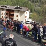 GIRO DITALIA A CERESOLE REALE - Lemozione della corsa in 50 scatti da tutto il Canavese - FOTO - immagine 18