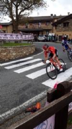 GIRO DITALIA A CERESOLE REALE - Lemozione della corsa in 50 scatti da tutto il Canavese - FOTO - immagine 14