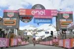 GIRO DITALIA A CERESOLE REALE - Lemozione della corsa in 50 scatti da tutto il Canavese - FOTO - immagine 49