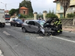 RIVAROLO CANAVESE - Incidente stradale, auto abbatte un palo della luce: un ferito - FOTO E VIDEO - immagine 2