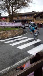 GIRO DITALIA A CERESOLE REALE - Lemozione della corsa in 50 scatti da tutto il Canavese - FOTO - immagine 15