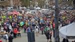 CUORGNE - La folla in piazza conferma il grande cuore del Canavese: più di 1100 persone di corsa per il piccolo Loris - FOTO e VIDEO - immagine 5