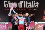 GIRO DITALIA A CERESOLE REALE - Lemozione della corsa in 50 scatti da tutto il Canavese - FOTO - immagine 59