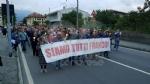 PAVONE CANAVESE - Una folla alla fiaccolata di solidarietà per Franco - FOTO E VIDEO - immagine 6