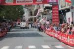 GIRO DITALIA A CERESOLE REALE - Lemozione della corsa in 50 scatti da tutto il Canavese - FOTO - immagine 9