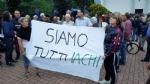 PAVONE CANAVESE - Una folla alla fiaccolata di solidarietà per Franco - FOTO E VIDEO - immagine 7