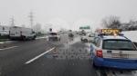 CANAVESE - Incidenti stradali a raffica a causa di neve e ghiaccio. Tangenziale di Torino in tilt per uno scontro tra furgoni - FOTO - immagine 8