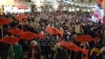 IVREA - Sardine in piazza di Città contro Salvini e la destra: «Siamo contro la deriva populista» - FOTO e VIDEO - immagine 8