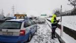 CANAVESE - Incidenti stradali a raffica a causa di neve e ghiaccio. Tangenziale di Torino in tilt per uno scontro tra furgoni - FOTO - immagine 9
