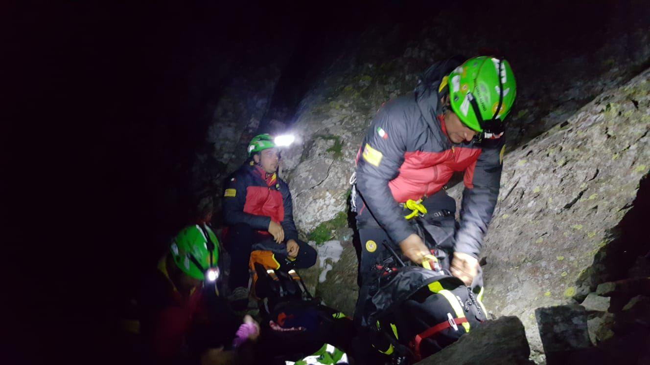 VALLE SOANA - Recuperati i due dispersi in quota: i volontari del soccorso alpino li hanno riportati a valle - FOTO