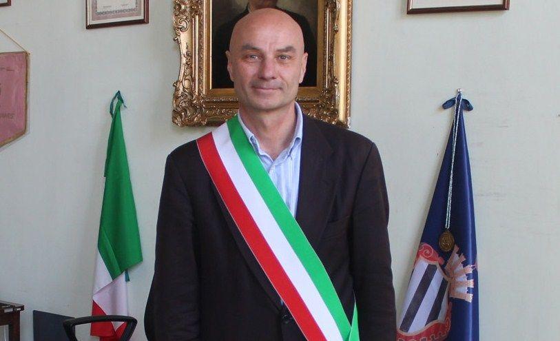 RIVAROLO CANAVESE - Rostagno il primo sindaco in Italia a riconoscere la delega alla gentilezza