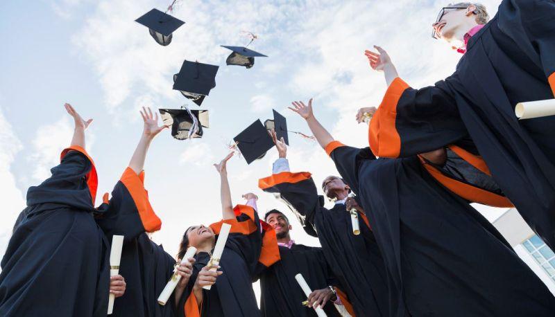 BORGARO - Torna il premio per i laureati residenti in città