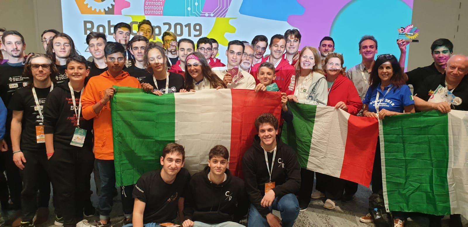 IVREA - Gli studenti dell'Olivetti ai mondiali di robotica a Sydney