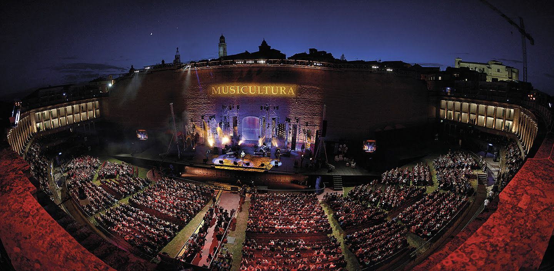 IVREA - I «The Jab», il duo composto da Alessandro De Santis e Mario Francese, vincono il Musicultura Festival