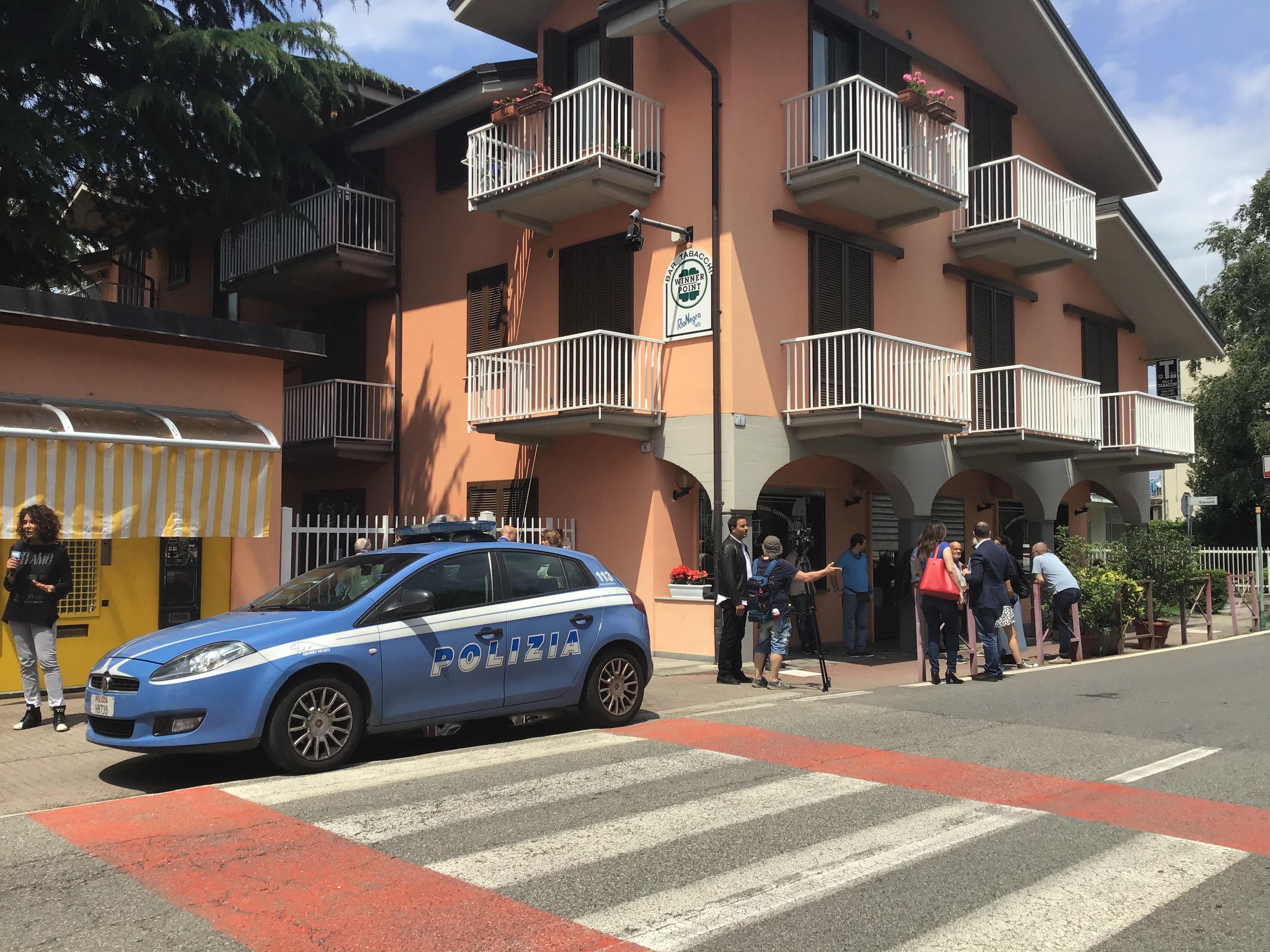 PAVONE CANAVESE - Ladro ucciso durante un tentativo di furto: il tabaccaio lo avrebbe colpito alle spalle