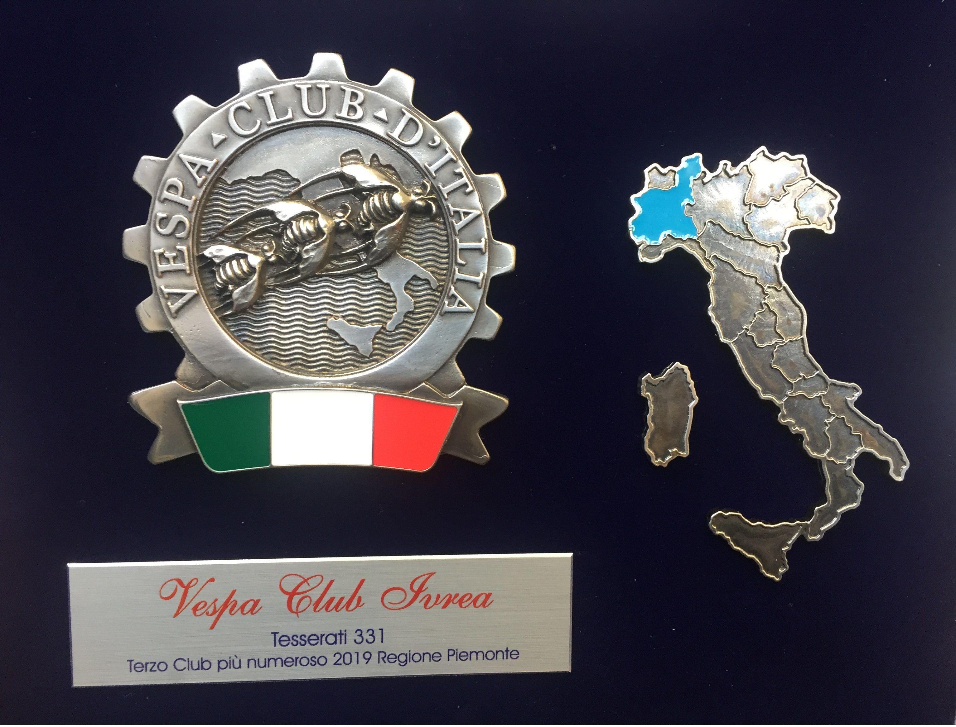 IVREA - Il Vespa Club premiato a Pontedera al museo Piaggio - FOTO