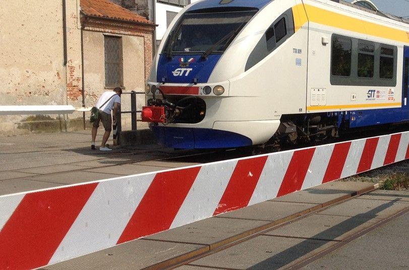 BOSCONERO - Chiusura passaggio a livello via Torino e strada della Chiara