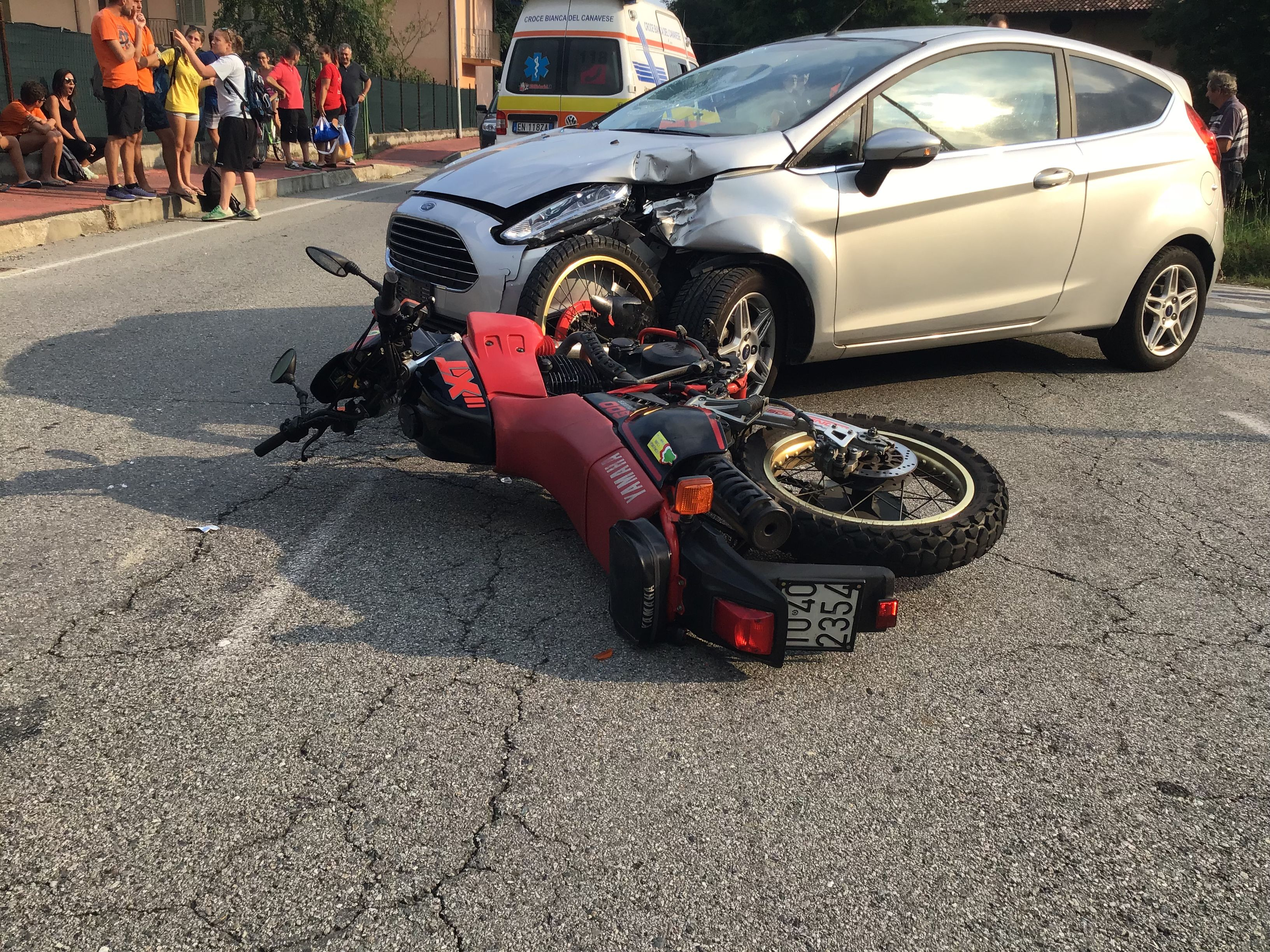 BUSANO - Un altro incidente auto contro moto: ferito centauro di Rivara - FOTO E VIDEO