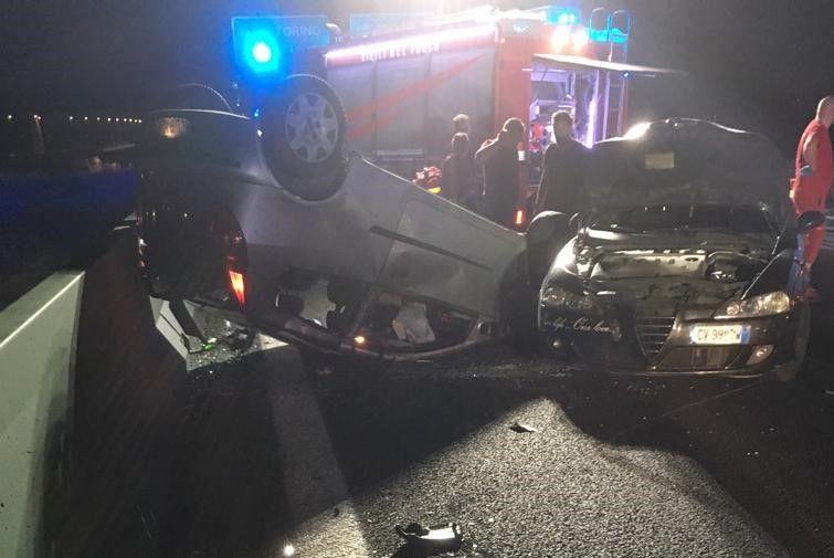 CHIVASSO - Si è costituito ai carabinieri l'automobilista che l'altra sera ha investito un pedone sulla Torino-Milano