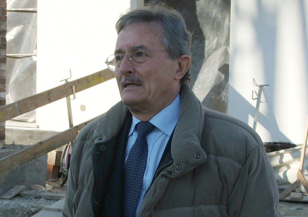 LEINI - Resta agli arresti domiciliari l'ex sindaco Nevio Coral