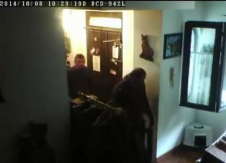 CASELLE - Ladri in casa: il video finisce su Facebook - FOTO e VIDEO