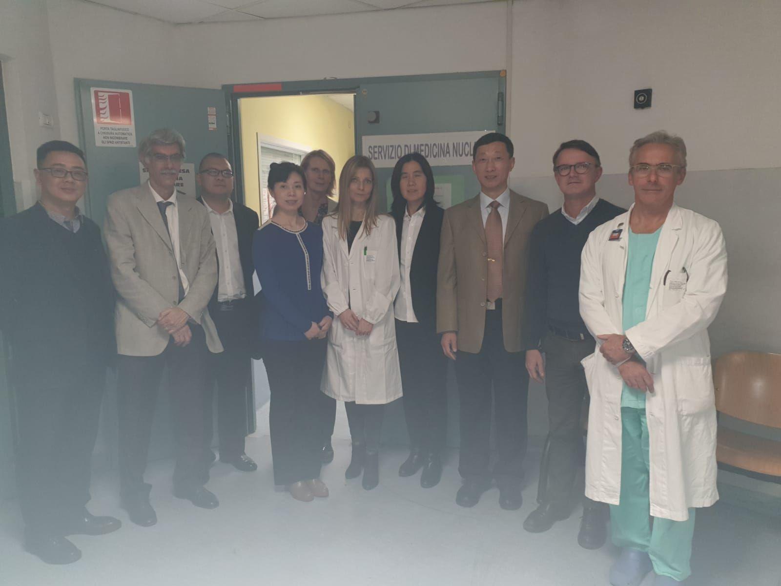 IVREA - Medici dalla Cina per visitare la medicina nucleare dell'ospedale