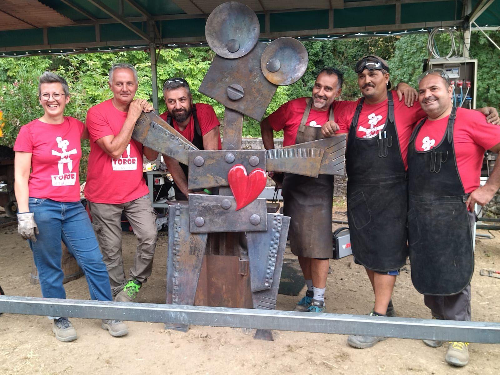 RIVAROLO CANAVESE - Artigiano rivarolese invitato alla biennale europea dell'arte fabbrile di Stia