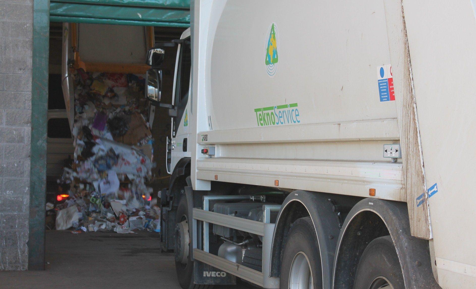 CASTELLAMONTE - Così è cambiata la raccolta rifiuti a causa del covid
