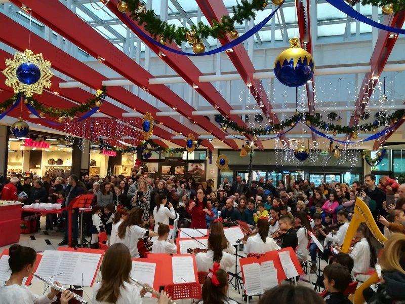 RIVAROLO - 10 anni di Urban Center: grande festa con il Liceo Musicale - FOTO