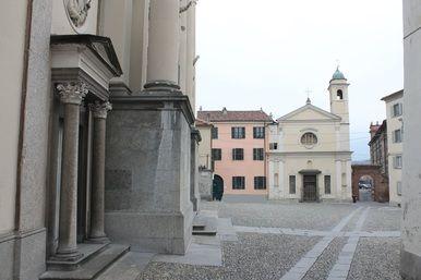 IVREA - Con gli studenti del Botta alla scoperta dei monumenti