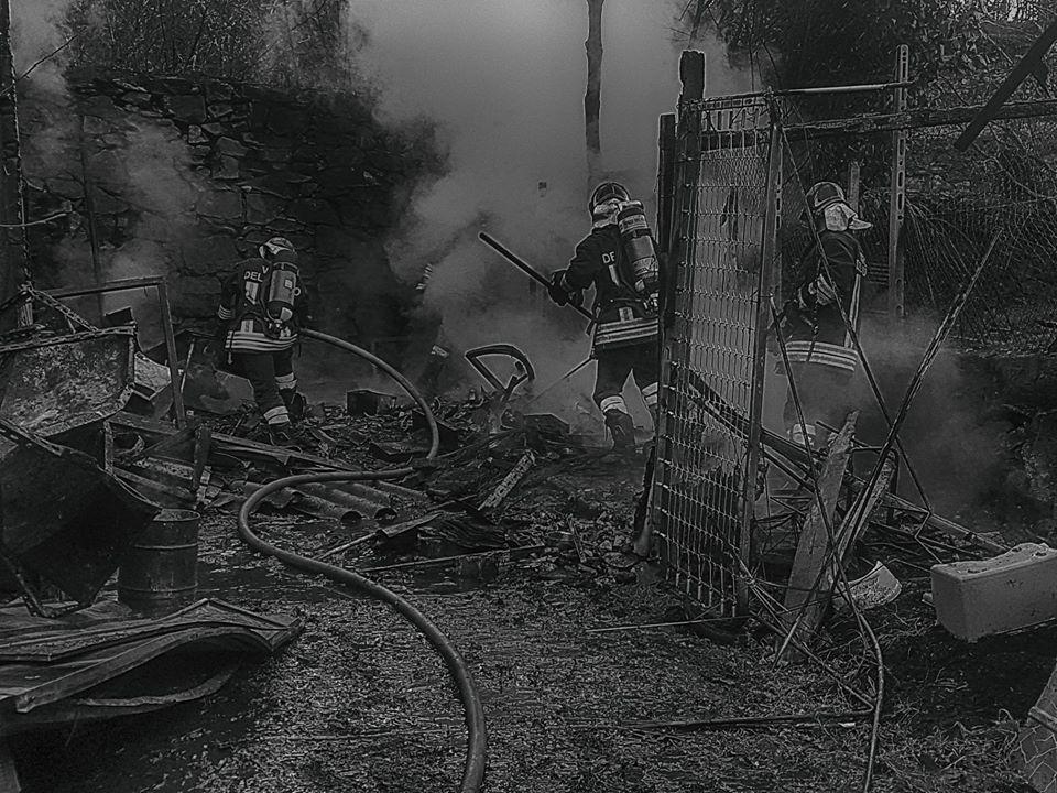 CHIAVERANO - Vuole scaldarsi e scatena un incendio: multato