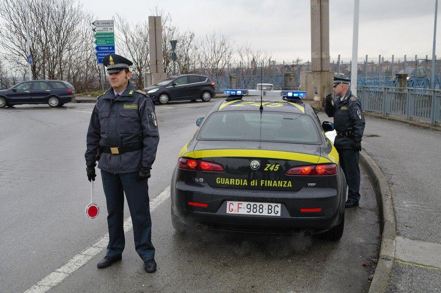 CIRIE' - Motori di auto rubati nel furgone: 37enne arrestato