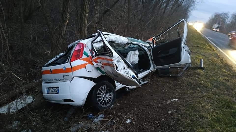 VOLPIANO - Ruba l'auto della Croce Bianca e si schianta in corso Europa: ladro denunciato dai carabinieri