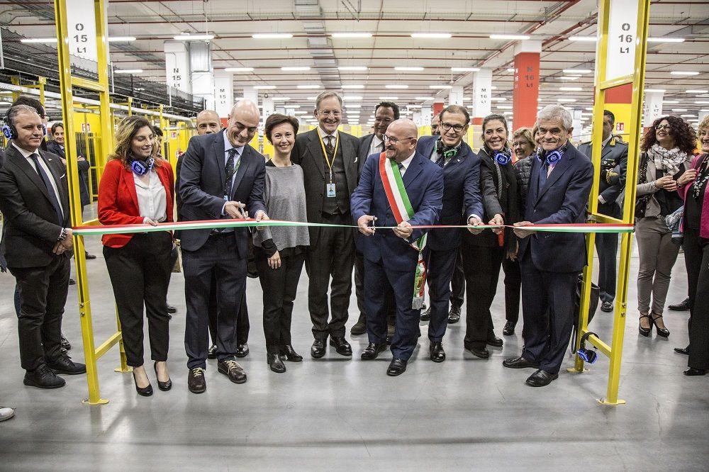 LAVORO - Amazon annuncia 1200 posti nel nuovo centro di Torrazza: servirà Italia, Francia e Svizzera - FOTO