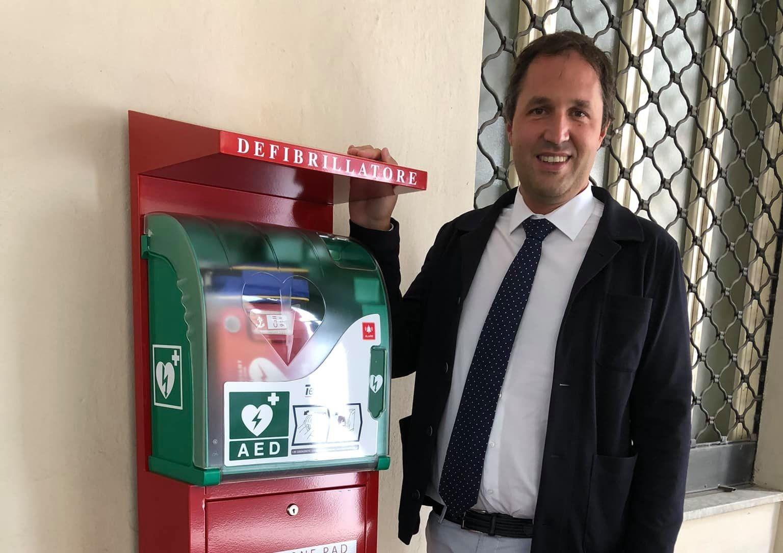 AGLIE' - Comune sempre più cardioprotetto: posizionato un defibrillatore davanti al Municipio