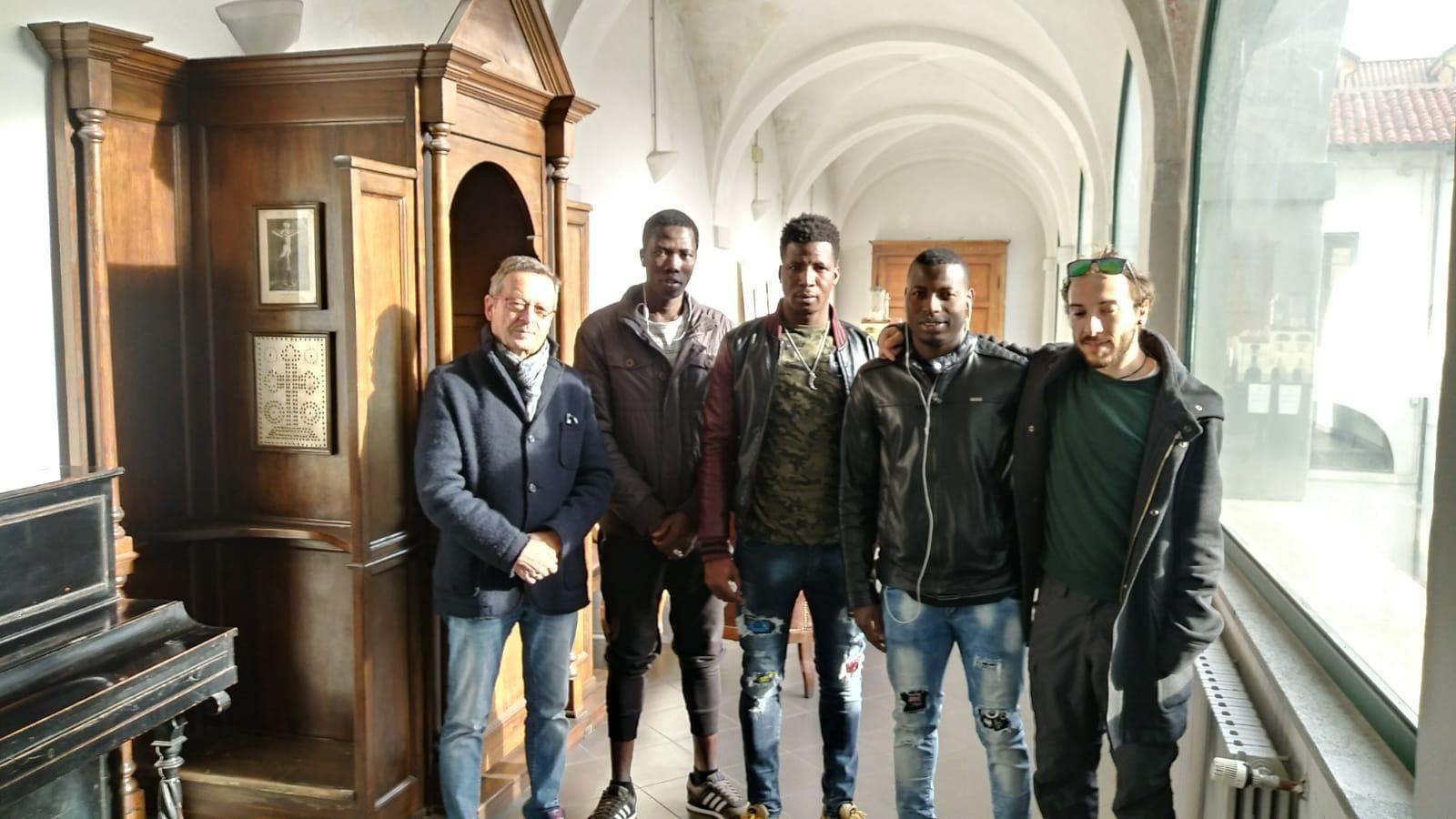 CUORGNE' - Richiedenti asilo al lavoro in collaborazione con il Comune - FOTO