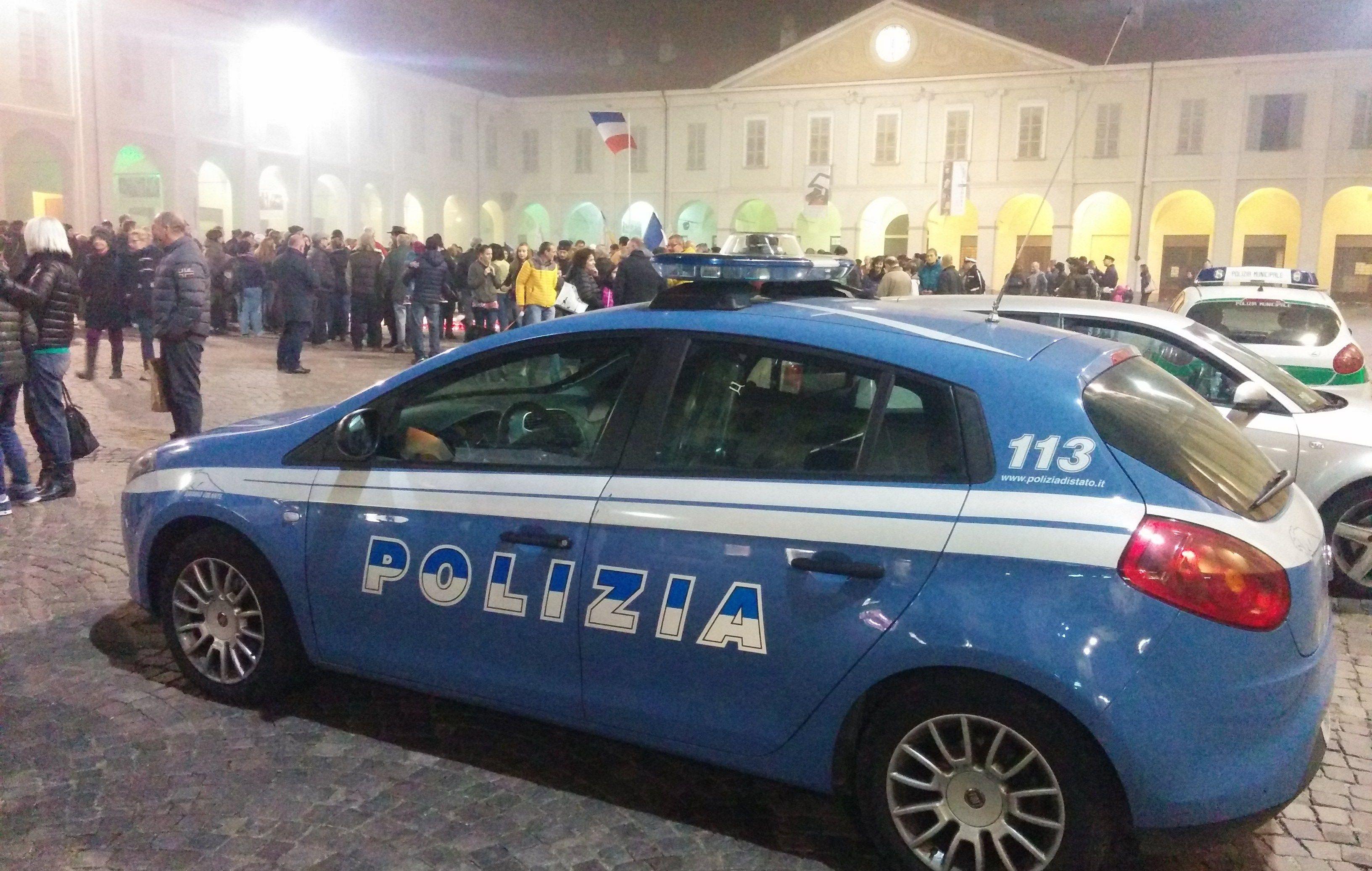 IVREA - La polizia sventa un sequestro di persona: un uomo arrestato