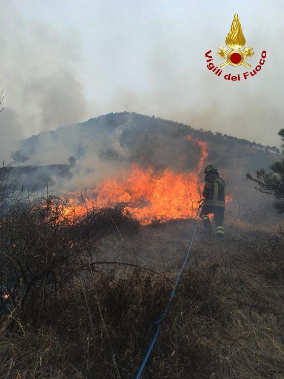 CANAVESE - Stato di massima pericolosità per gli incendi boschivi: allerta della Regione