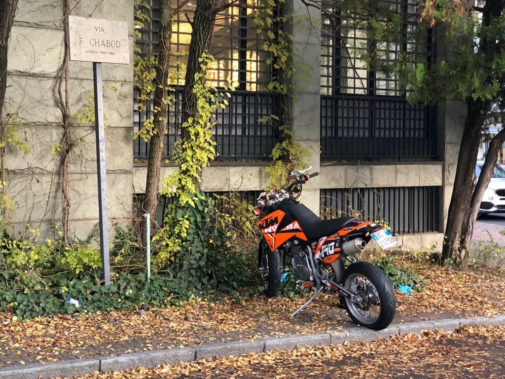 IVREA - Brutto incidente stradale: grave un 19enne in moto