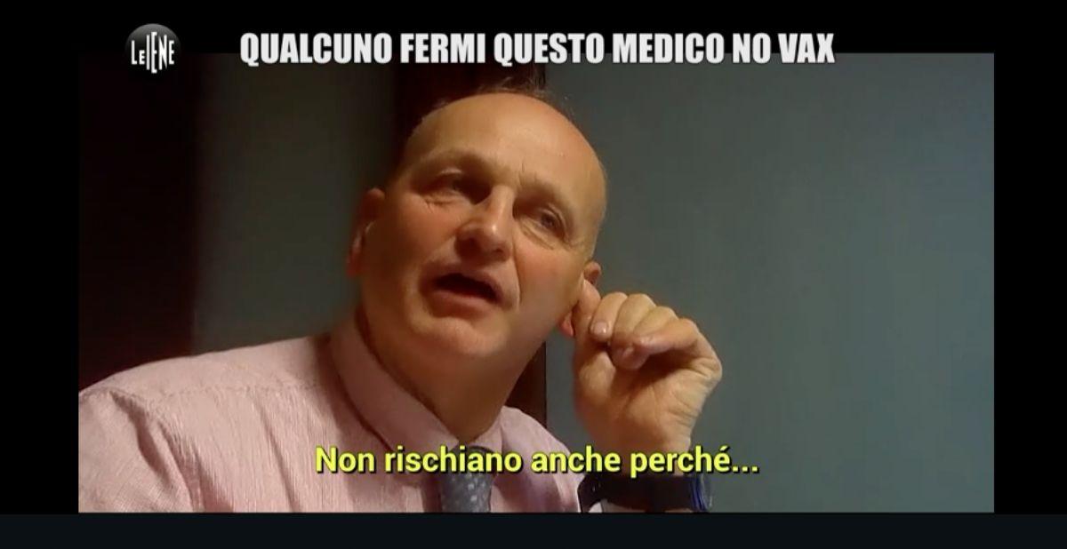 BORGARO - Blitz delle Iene dal dottore no-vax Giuseppe Delicati: «Qualcuno fermi questo medico»