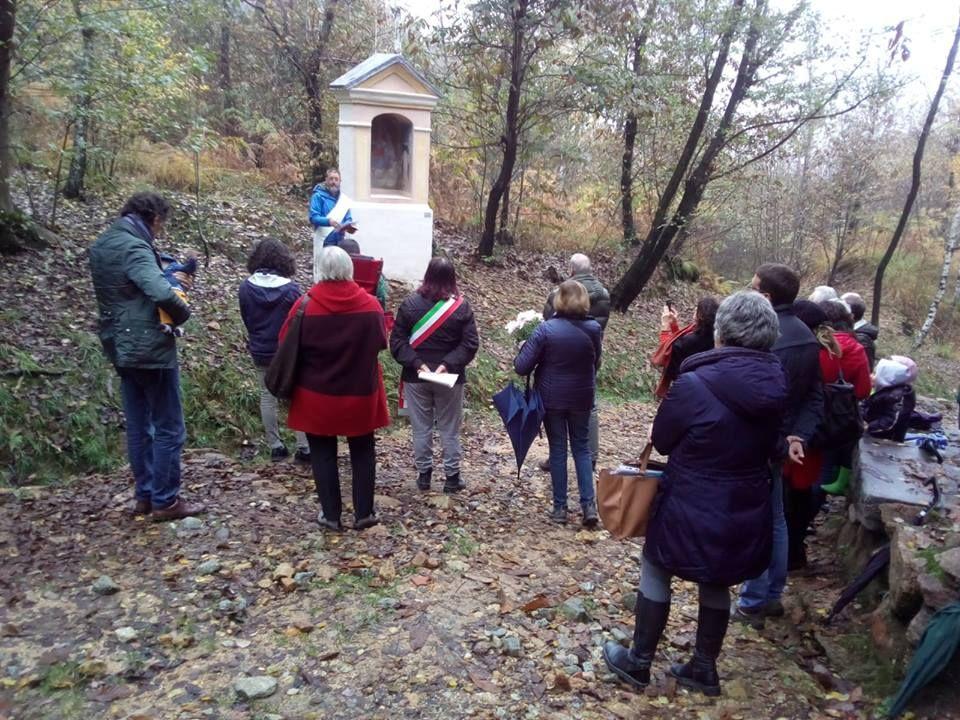 VALPERGA - La famiglia Deiro restaura il pilone votivo per Belmonte