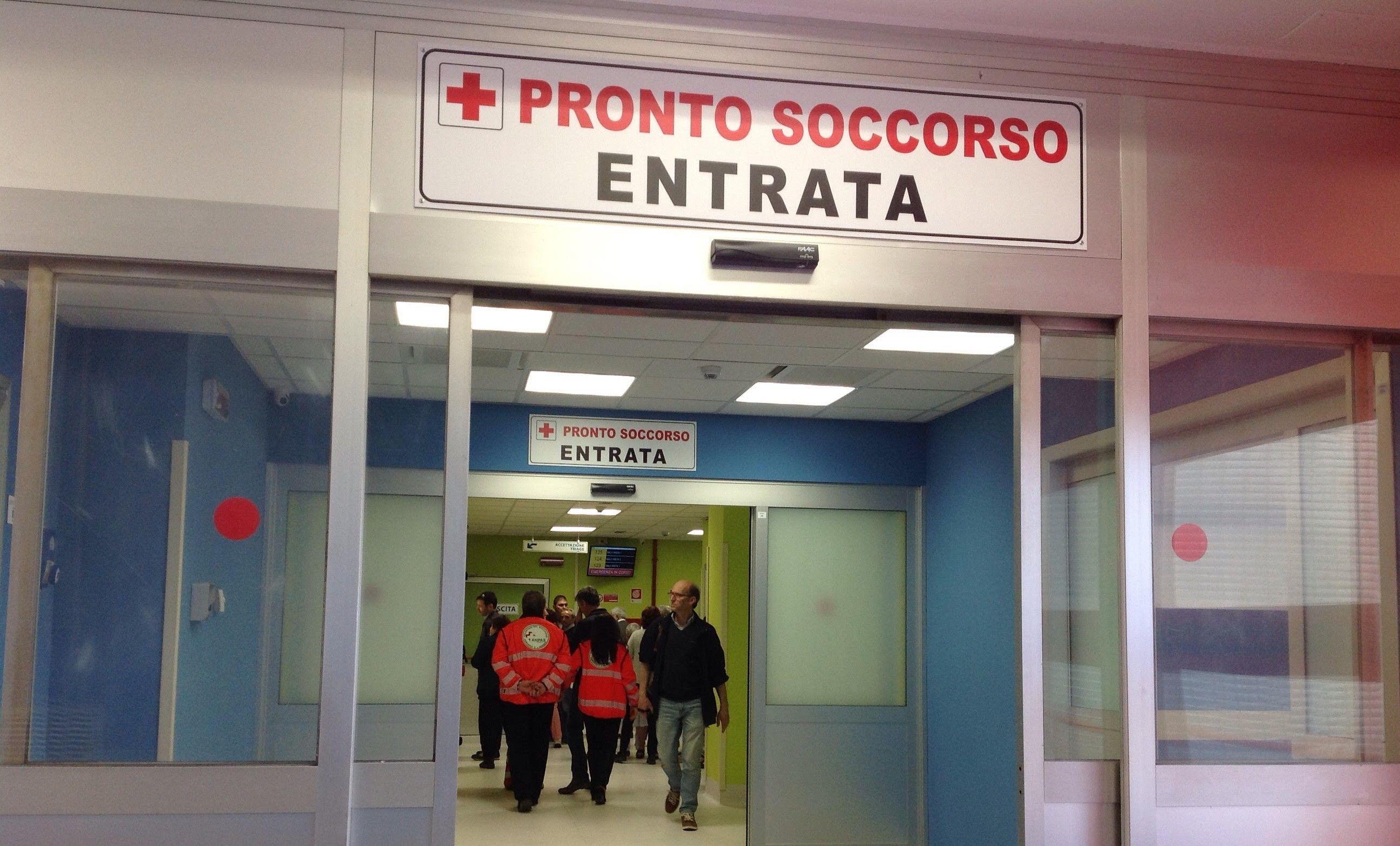 CUORGNE' - Otto ore al pronto soccorso per una radiografia... persa: la disavventura di un pensionato di San Colombano Belmonte