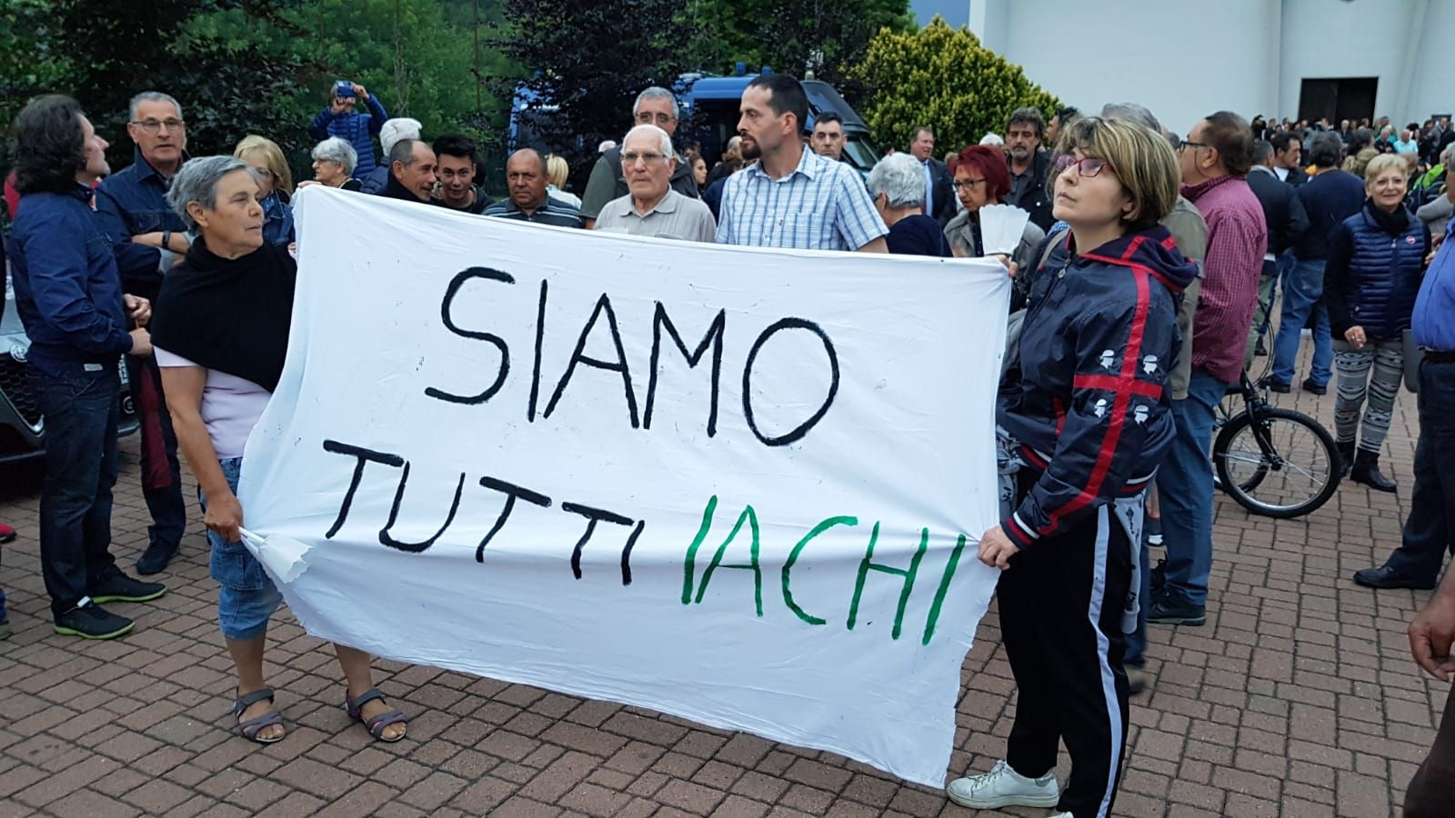 PAVONE CANAVESE - La famiglia di Franco Iachi Bonvin ringrazia tutti per l'affetto e la solidarietà
