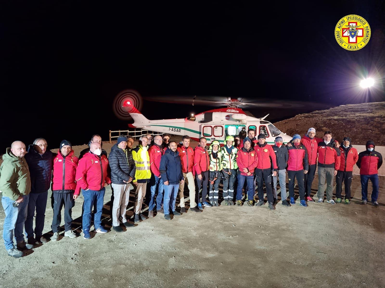 CERESOLE REALE - Ora l'elicottero del 118 atterra in quota anche di notte: inaugurata la piazzola al Lago Serrù - FOTO